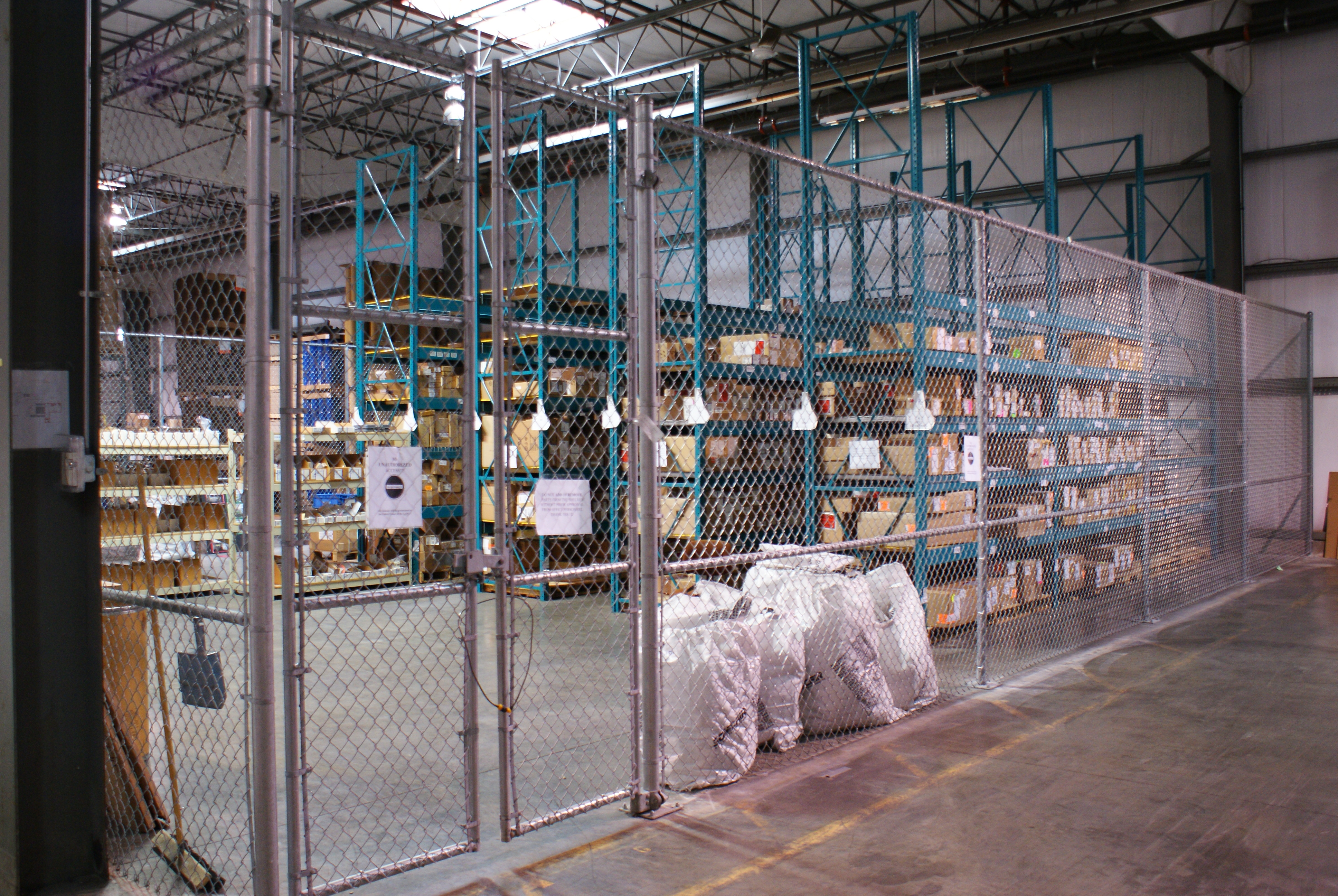 Security Fences - Storage Lockers - Equipement industriel RC